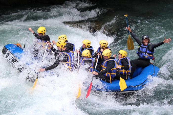 AN DESCENTE RAFTING ISERE (16 km)