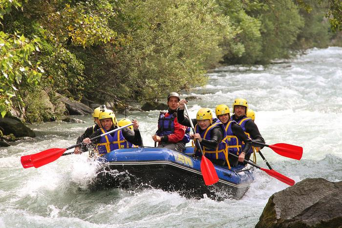 Enterrement Vie Garçon Rafting