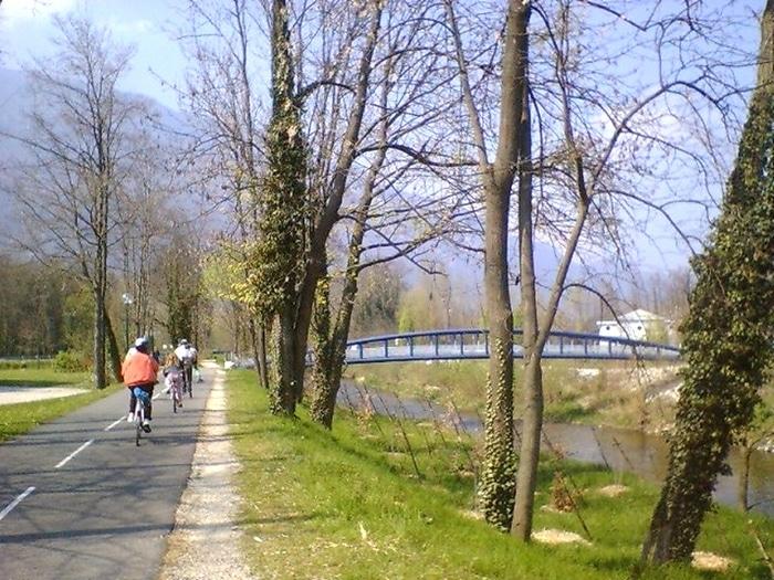 VTC piste cyclable Aime