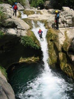 Toboggan dans un canyon