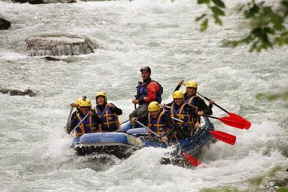 Journée-eau-vive-spéciale-CE-en-Savoie