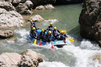 location-bateau-rafting-haute-savoie