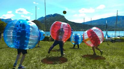 Partie de bubble-foot